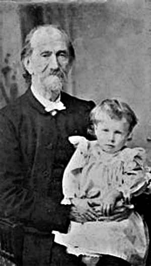 1898 Andrew Murray holding a child (source: Andrewmurray.org.za)